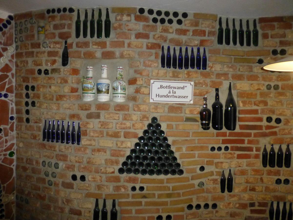 022_pro-umelecke-ztvarneni-pivovaru-bylo-pouzito-25000-lahvi