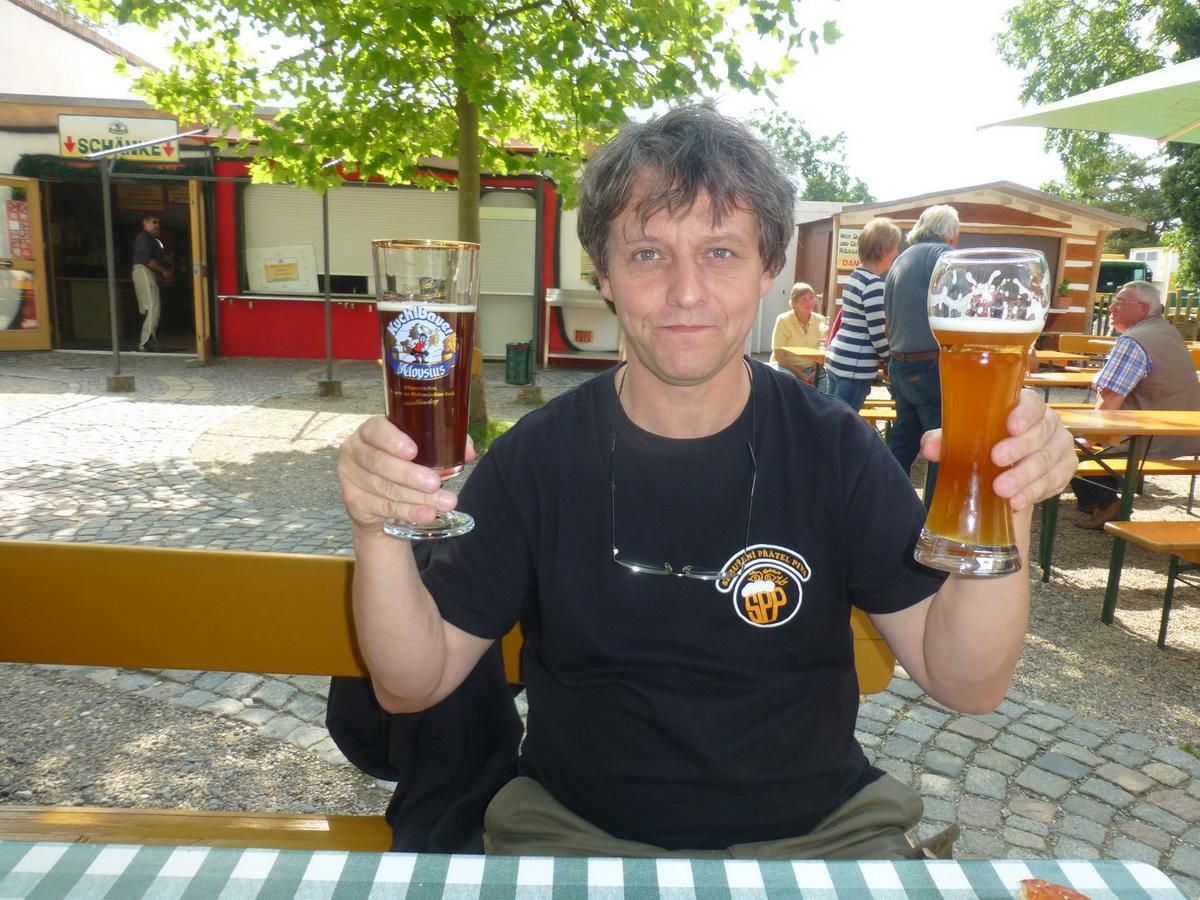 042_konecne-pivo-na-pivni-zahradce
